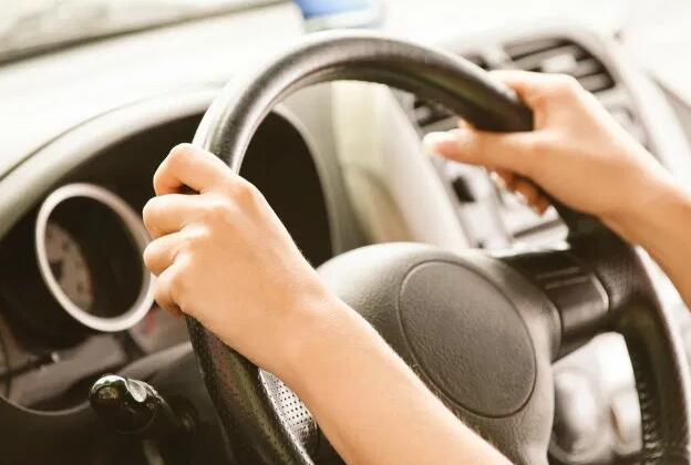 best tips to avoid distractions at the wheel